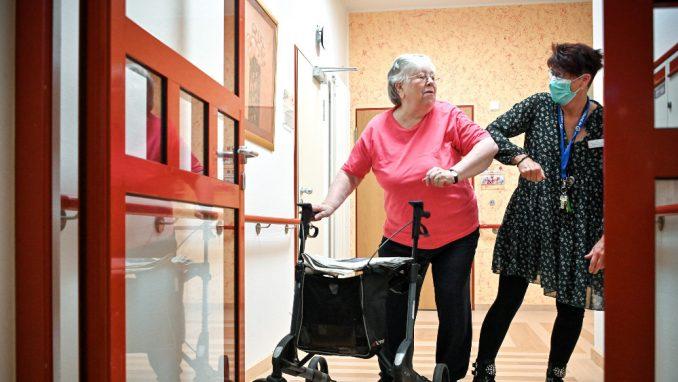 U Nemačkoj će se prvo vakcinisati korisnici domova za stare osobe 1