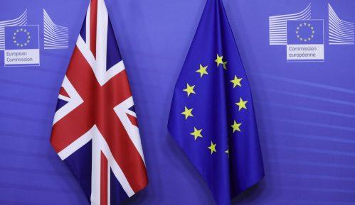 Velika Britanija u ponoć raskinula sve veze sa EU posle 48 godina 7