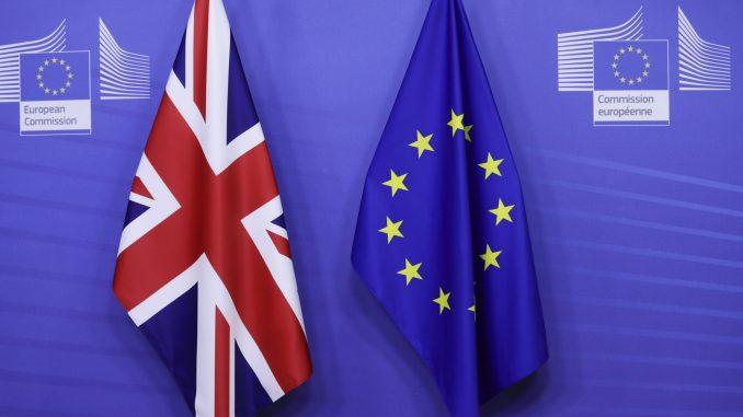 Velika Britanija u ponoć raskinula sve veze sa EU posle 48 godina 5
