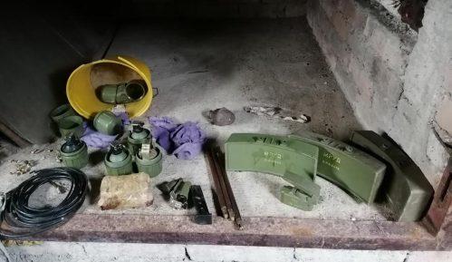 Policija u Smederevu uhapsila muškarca zbog posedovanja oružja i eksploziva 1