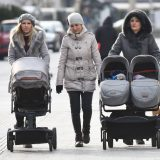 U Crnoj Gori ponovo nadoknade za žene sa troje i više dece 10