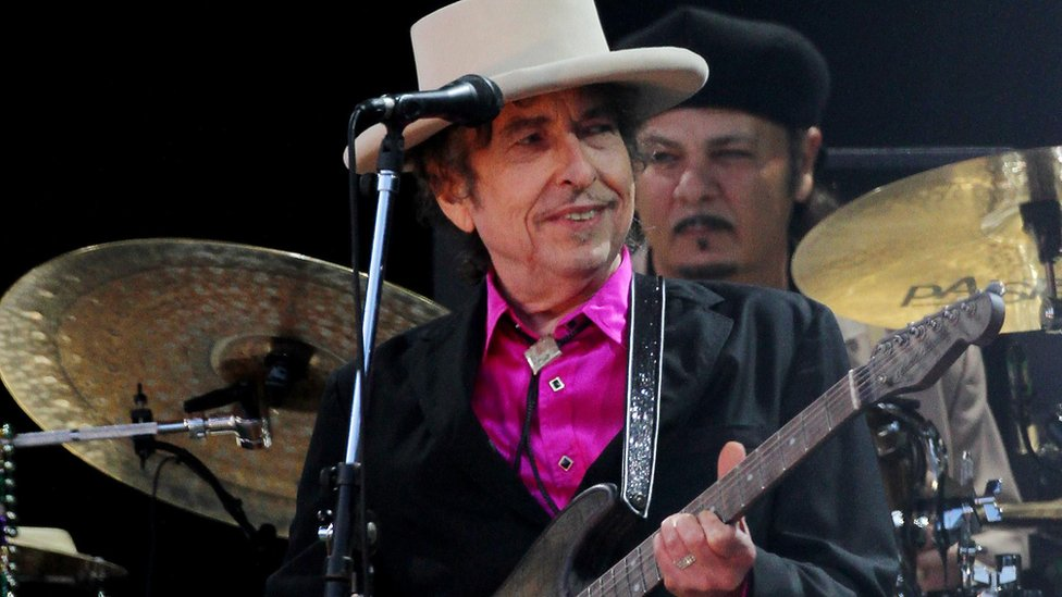 """UMG said it was with """"enormous pride"""" that they welcomed Dylan to their roster of artists"""