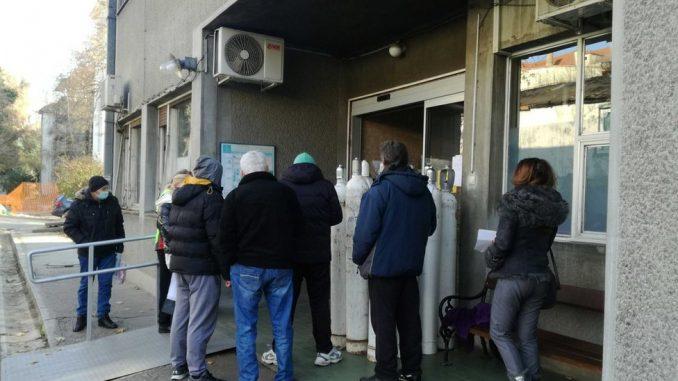 Korona virus: U Srbiji krizni štab preporučuje nove mere u petak, rekordan broj umrlih u Americi 5