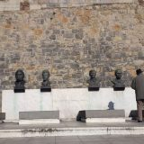 Ponovo grafit desničara na Grobnici narodnih heroja na Kalemegdanu 8