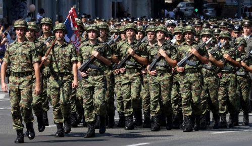 Vojnicima duplo veće povišice nego lekarima 13