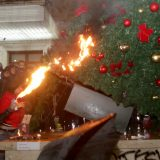 Albanci sve nezadovoljniji vlašću premijera Edija Rame 13