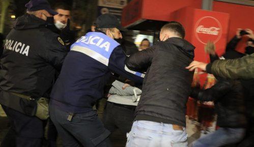 Treći uzastopni dan nasilja na protestima u Albaniji 8