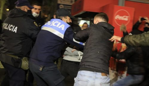 Treći uzastopni dan nasilja na protestima u Albaniji 11
