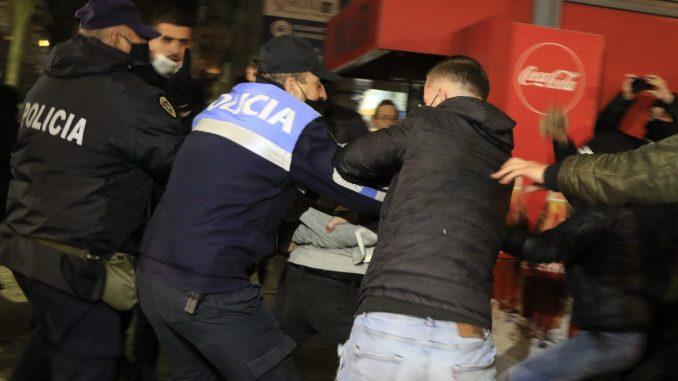 Treći uzastopni dan nasilja na protestima u Albaniji 5