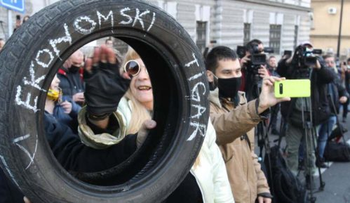 Održan još jedan protest privrednika koji zahtevaju otpis odloženih poreza (VIDEO) 15