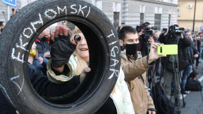 Održan još jedan protest privrednika koji zahtevaju otpis odloženih poreza (VIDEO) 1