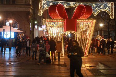 Novogodišnja noć u centru Beograda protekla mirno (FOTO) 2
