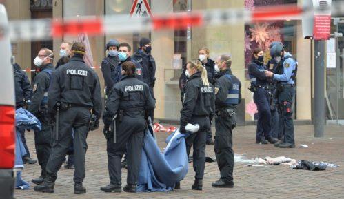Nemačka: Automobil uleteo među pešake - četvoro mrtvih, 15 povređenih 3