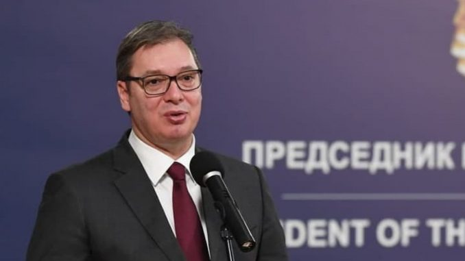 Vučić uručio odlikovanja porodicama posthumno odlikovanih medicinskih radnika 3