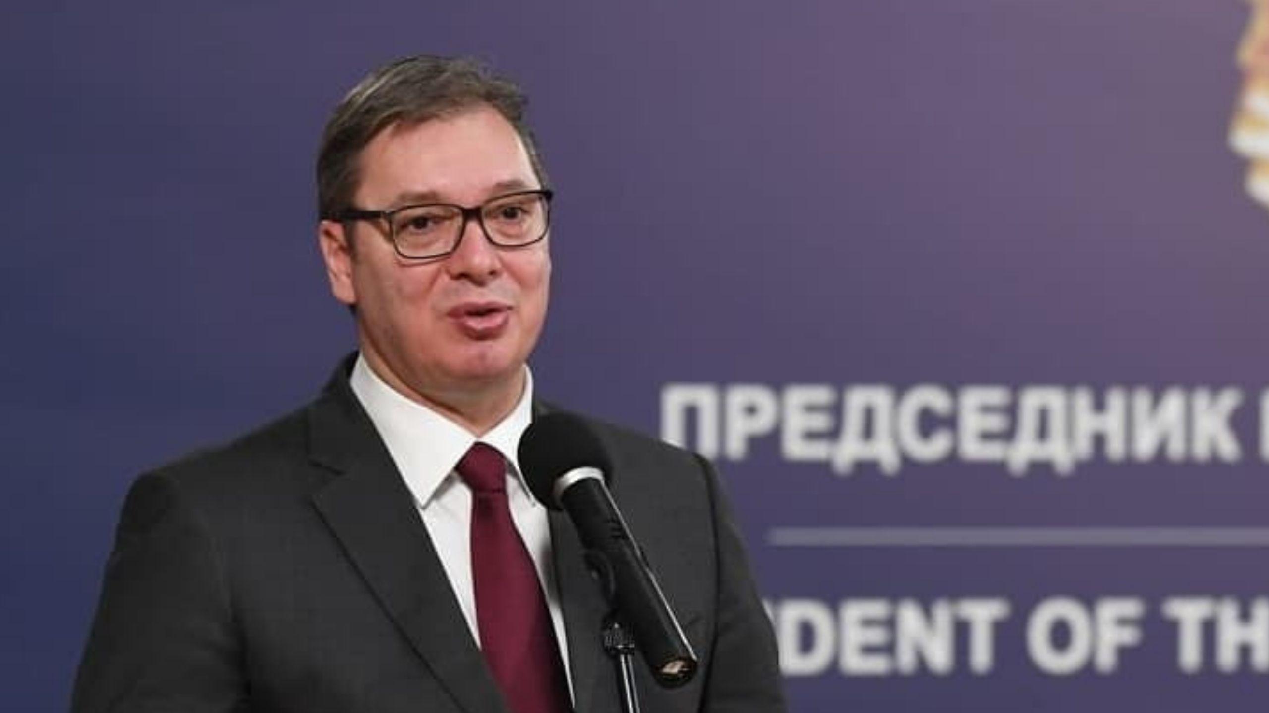 Večernje novosti: Vučić za Badnji dan i Božić na Hilandaru 1