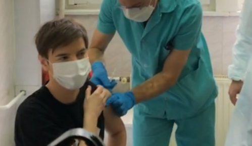 Brnabić o pismu Đilasa o vakcini: Neznalica je i zao, sramoti Srbiju pred EU zbog jefitnih poena 2