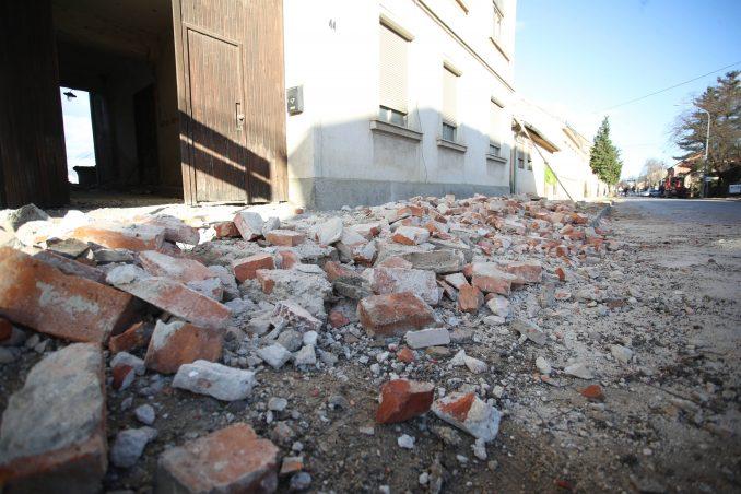 Grčka procenjuje štetu posle zemljotresa, desetine ljudi noć provele napolju 1