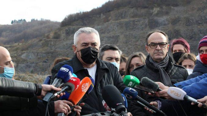 Predstavnici Prištine, Beograda i međunarodnih organizacija obišli grobnicu u Kiževaku 3