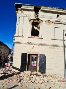 Snažan zemljotres u Hrvatskoj, ima žrtava, podrhtavanje se osetilo i u Srbiji (VIDEO) 17