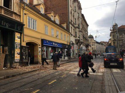 Snažan zemljotres u Hrvatskoj, ima žrtava, podrhtavanje se osetilo i u Srbiji (VIDEO) 21