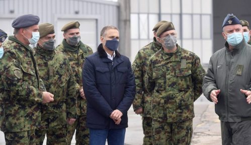 Stefanović na aerodromu Batajnica: Snaga vojske su ljudi, snaga Srbije je vojska 1