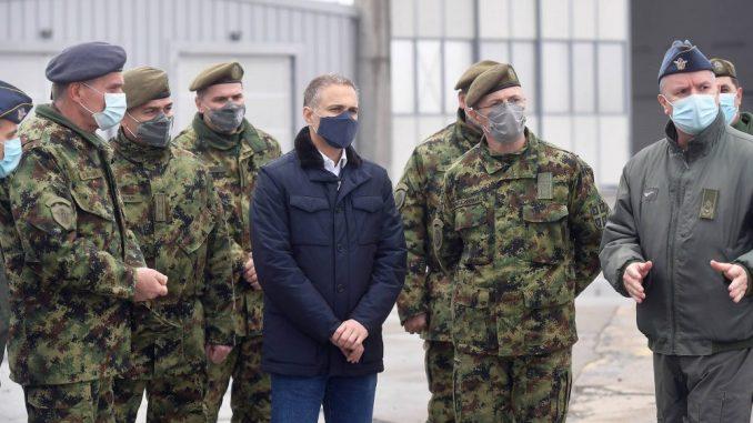 Stefanović na aerodromu Batajnica: Snaga vojske su ljudi, snaga Srbije je vojska 3