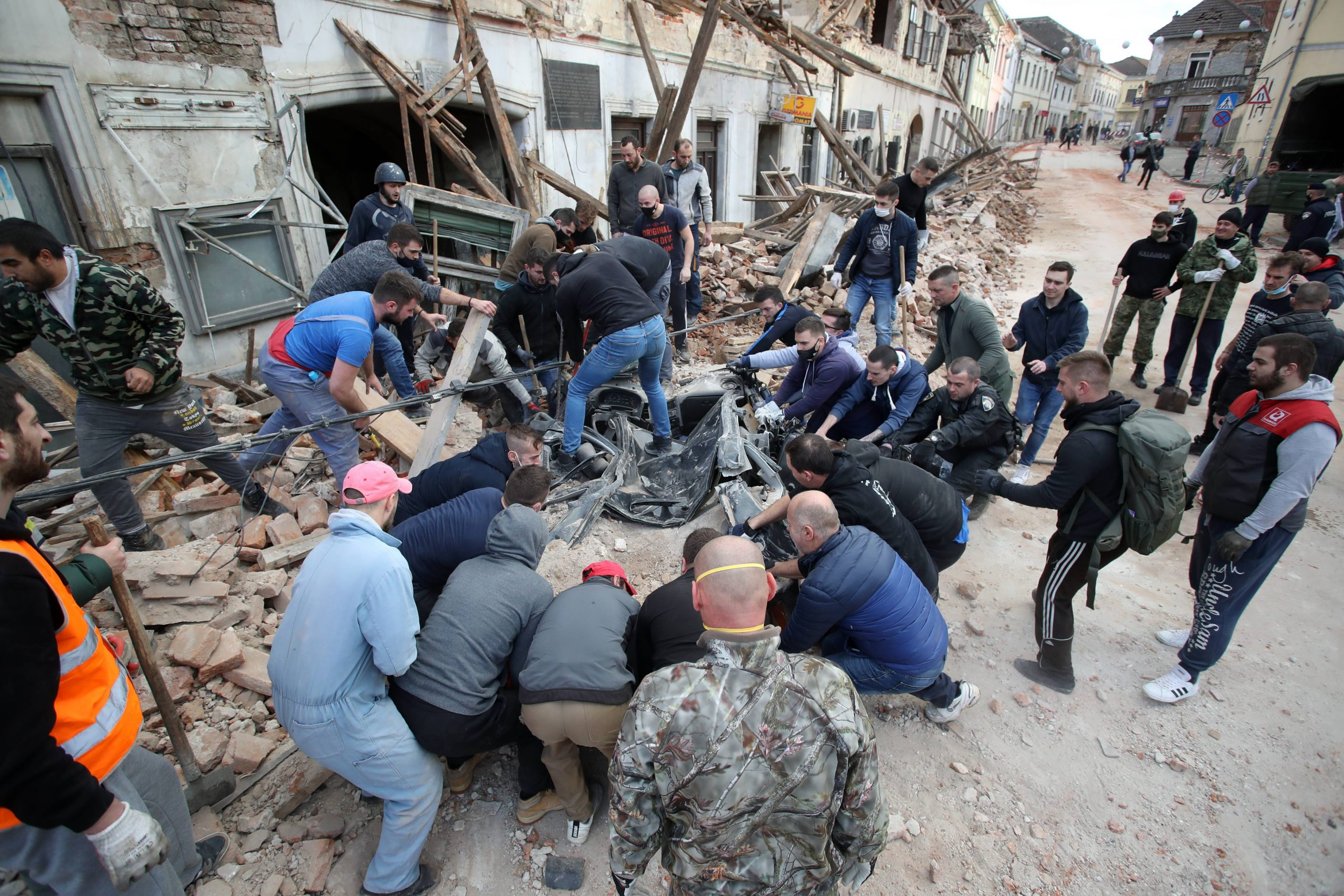 Snažan zemljotres u Hrvatskoj, ima žrtava, podrhtavanje se osetilo i u Srbiji (VIDEO) 1