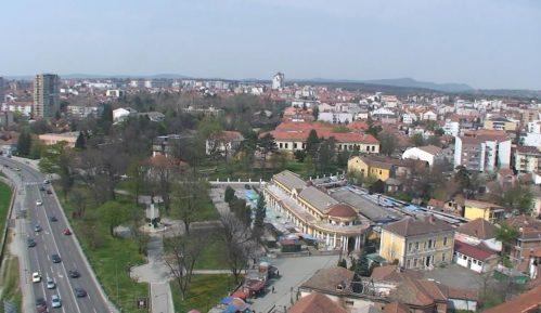 Radnici komunalnog preduzeća u Kragujevcu presekli vodovodnu cev zbog gradnje novih objekata 1