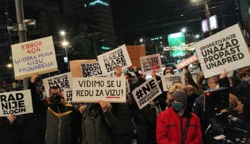 Ispred Vlade Srbije održan protest radnika na internetu zbog poreza (FOTO; VIDEO) 9