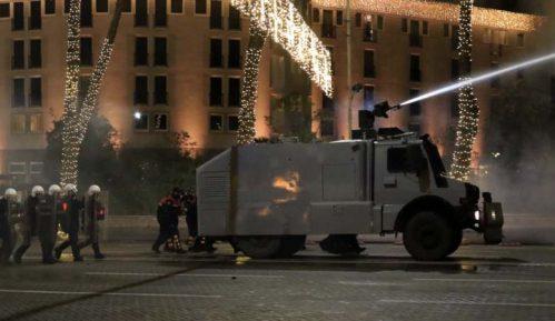 Albanska policija rasturila novi protest u Tirani zbog ubistva 25-godišnjaka 7