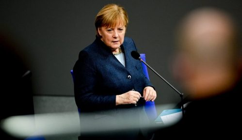 Merkelova traži od Rusije da smanji broj vojnika na ukrajinskoj granici 9