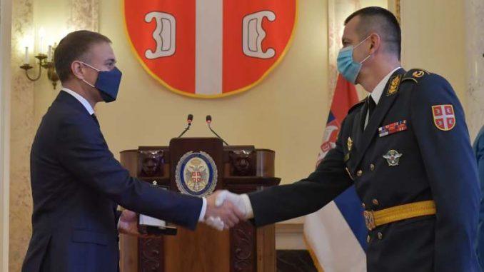 Stefanović uručio odlikovanja pripadnicima ministarstva odbrane i vojske 4