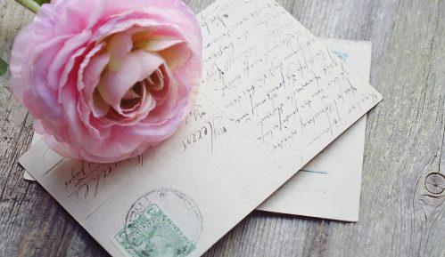 Ljudi sve manje šalju čestitke, razglednice i pisma (ANKETA) 9