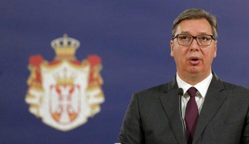 Vučić uručio odlikovanja lekarima, posthumno odlikovan i Dobrica Erić 3