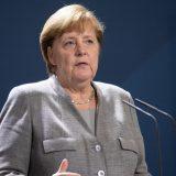 Angela Merkel ocenjuje problematičnim blokiranje Trampovog naloga na Tviteru 7