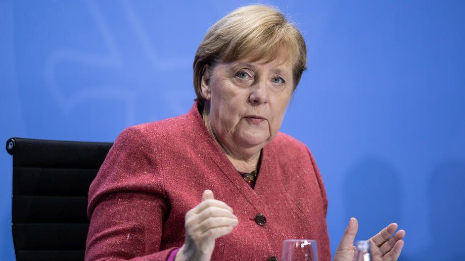 Merkel: Napad na Sovjetski Savez za Nemce je razlog za sramotu 1