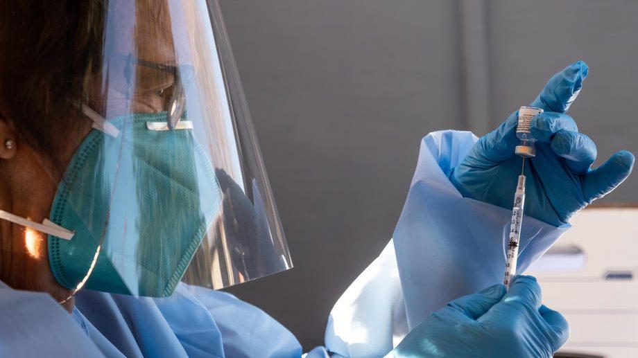 Koliko su vakcine kompanija Fajzer i Moderna opasne za srce 1