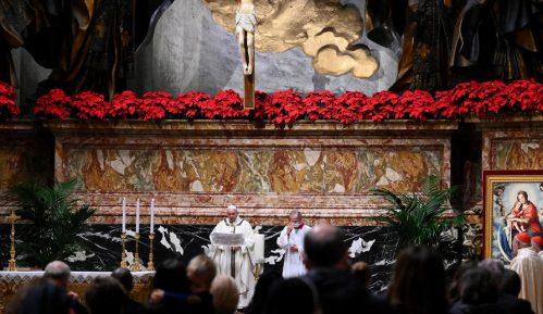 Papa Franja održao božićnu misu pred manje od 100 vernika 7