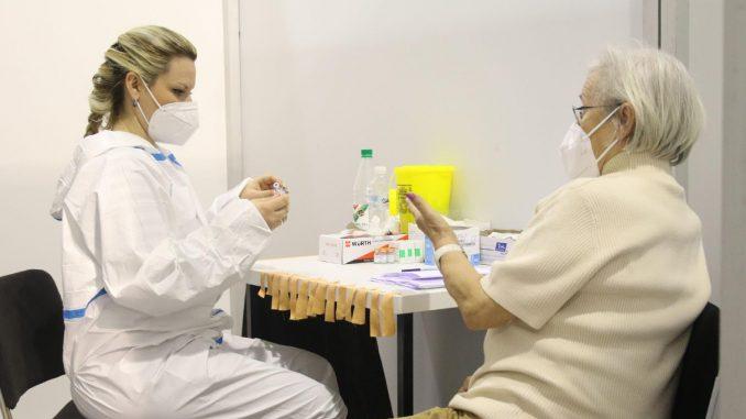 Javne ličnosti: Koja god da je vakcina, samo da se ova agonija završi 4