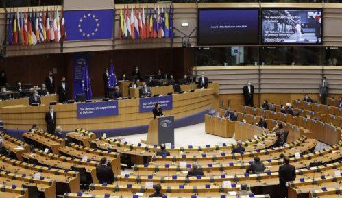 Poslanici Evropskog parlamenta pozvali Srbiju da reši afere 11