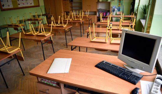 Odluka o radu škola biće saopštena sutra 13