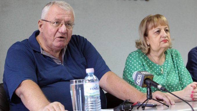 Naprednjaci izbegavaju da pošalju Radetu i Jojića u Hag 5