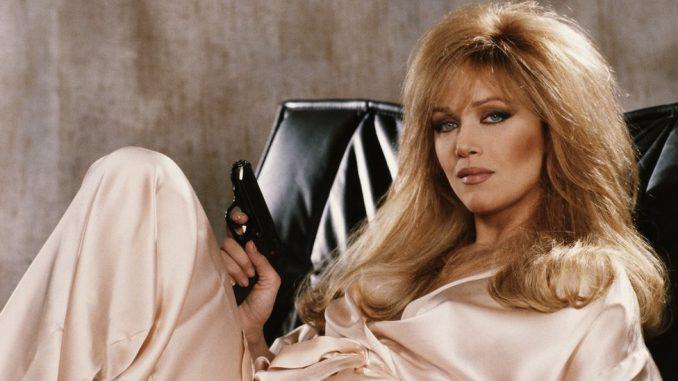 Holivud: Glumica Tanja Roberts, Bondova devojka i Čarlijev anđeo, je u bolnici živa 5