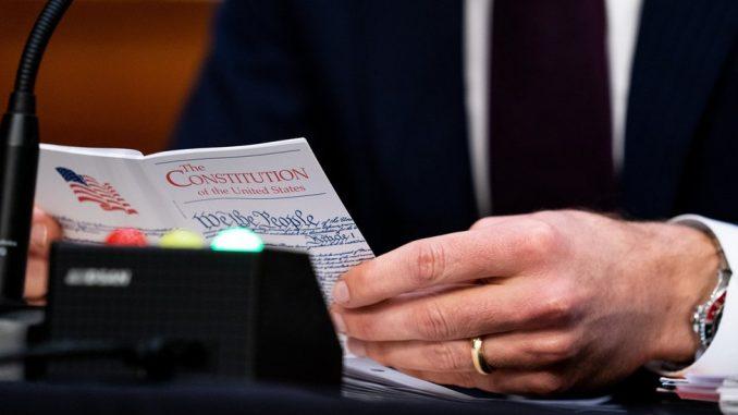 Amerika, upad u Kongres, Ustav: Može li Trampu ranije da se završi mandat na osnovu 25. amandmana 5