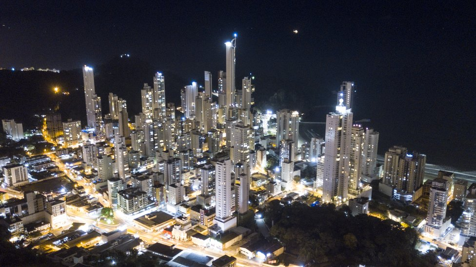Night view of Balneario Camboriu
