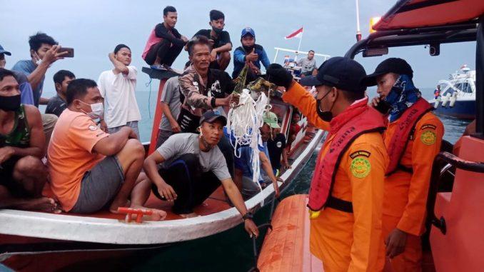 Indonezija, avionske nesreće: Pronađeni signali za koje se misli da su iz crne kutije srušenog aviona 3