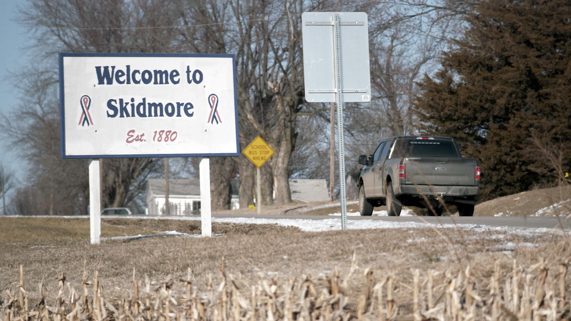 Skidmore roadsign