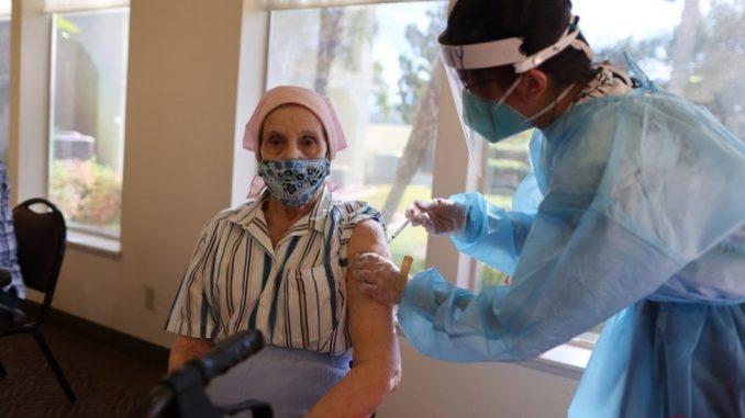 Korona virus: Kineska vakcina stiže u Srbiju, usporena isporuka Fajzerovih injekcija EU 5