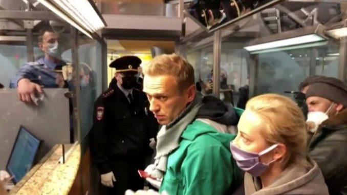 Rusija i Navaljni: Putinovom kritičaru se sudilo u policijskoj stanici - određen mu pritvor od 30 dana 3