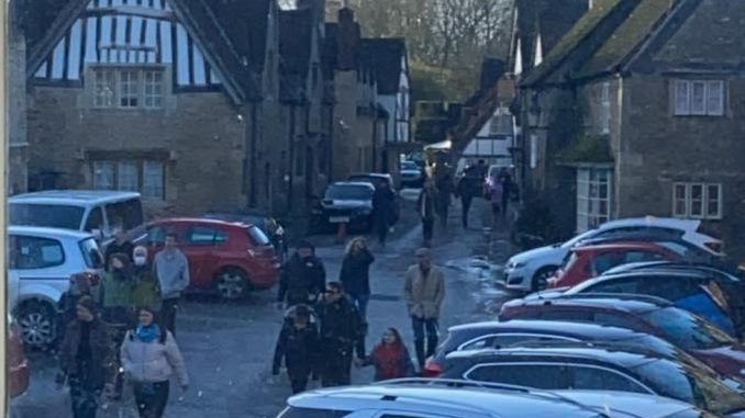Korona virus, Velika Britanija i turizam: U selu gde je snimljen Hari Poter gužva kao da je letnja sezona 2